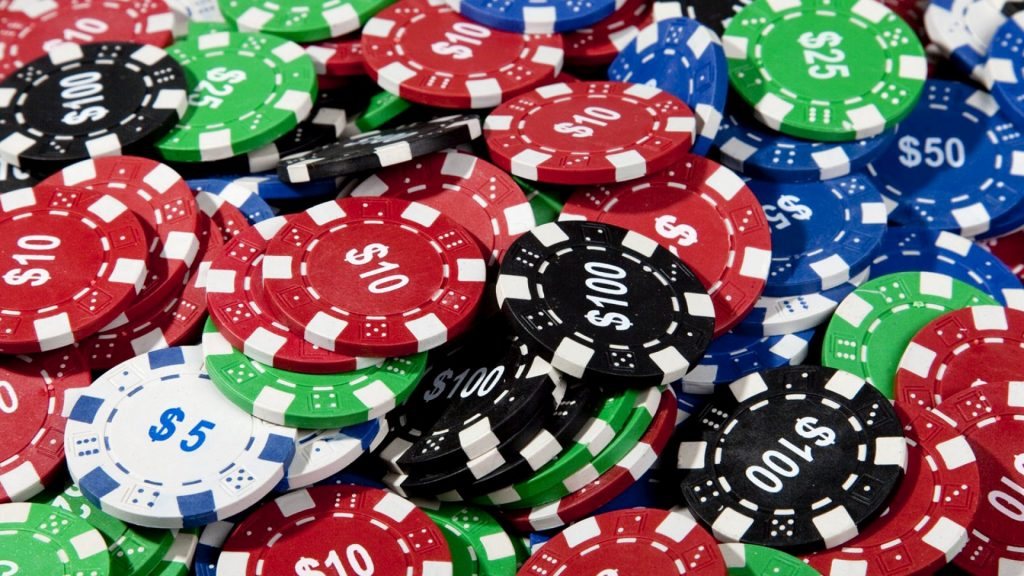 Strategies to increase your chances of winning at Poker